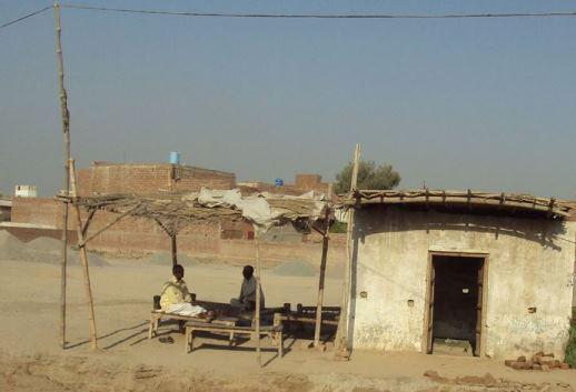 Jhonpari (hut), Sheikhupura.