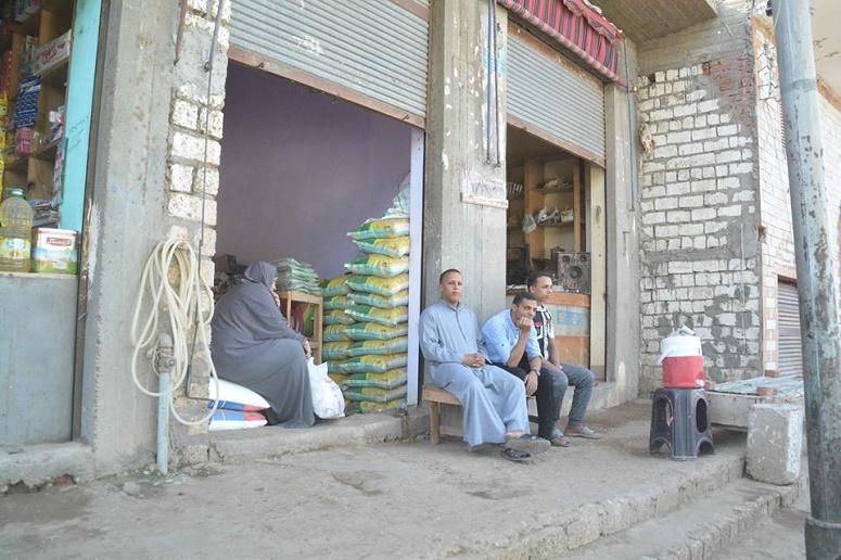 (There are around 4000 Copts in Ezbat El-Sheikh Negeim and around 19000 Muslims.)