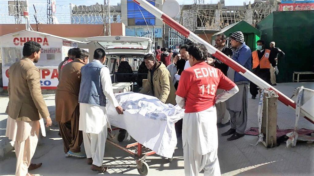 Medics treating victims of a bomb blast, Quetta, Pakistan (World Watch Monitor)